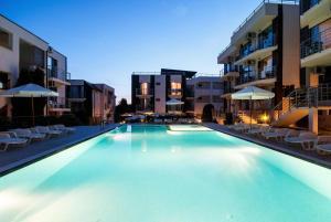 New Line Village Apartcomplex