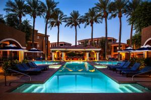 Luxury Condos by Meridian CondoResorts- Scottsdale - Apartment