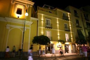 Palazzo Tritone & Abagnale - AbcAlberghi.com