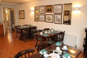Westbrook House Guest Accommodation, Bed & Breakfasts  Ennis - big - 6