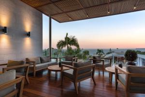 Mediterranean Beach Hotel (6 of 40)