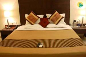 Auberges de jeunesse - 1 BR Guest house in Houtatma 5 Mark, Sangli (9910), by GuestHouser