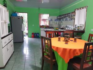Tortuguero Green House, Tortuguero