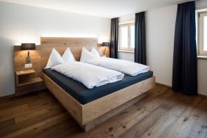 Hotel Grimsel Passhöhe, Отели  Обервальд - big - 39