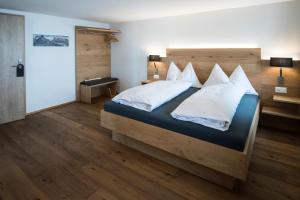 Hotel Grimsel Passhöhe, Отели  Обервальд - big - 41