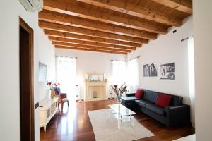 Black Stone Apartments-Feel the place - AbcAlberghi.com