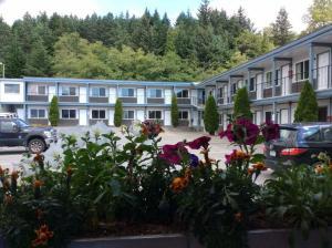 The Chalet Motel - Accommodation - Kitimat