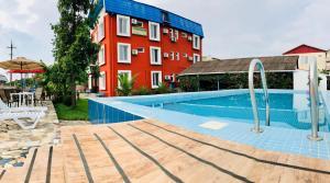 Отель Hotel Mirage, Уреки