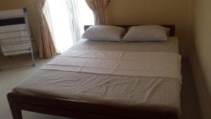 Deluxe Double Room (2 Adults + 1 Child) Insni Homestay