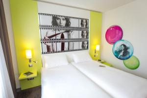 ibis Styles Cannes Le Cannet (2 of 64)