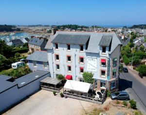 Logis Hotel Restaurant Le Phare - Ploumilliau