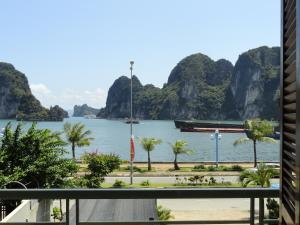 Hạ Long Lily Homestay - Quang Ninh