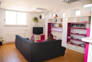 Split Summer Budget Rooms