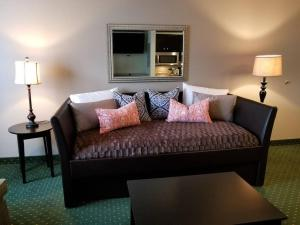 744 Cute Suite at Parkway Palms
