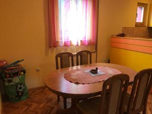 Kuca na Zlatiboru, Holiday homes  Zlatibor - big - 11