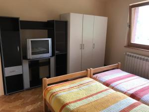 Kuca na Zlatiboru, Holiday homes  Zlatibor - big - 3