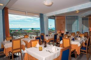 Hotel Bellevue, Hotels  Caorle - big - 33