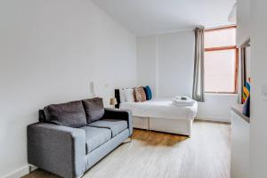 Bright & Modern apartment in Liverpool!