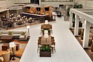 Embassy Suites by Hilton Milwaukee Brookfield, Hotels  Brookfield - big - 19