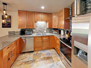 1040 Vail View Drive Condo Unit 305 - Apartment - Vail