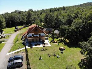 Guesthouse Green Valley, Affittacamere  Jezerce - big - 90