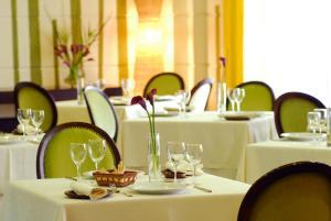 Hotel Fundador, Hotel  Santiago - big - 35