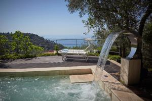 LUXURY SEA VIEW VILLA 5 LANDS FROM THE SEA - AbcAlberghi.com