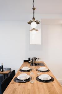 LuxLux Apartments Silver Dove