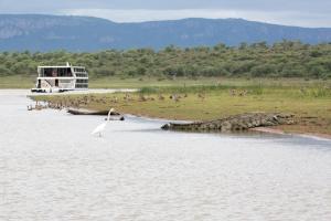 Shayamanzi Houseboats