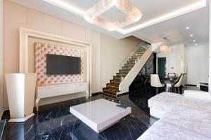 The Crystal Palace Apartment - Budapest