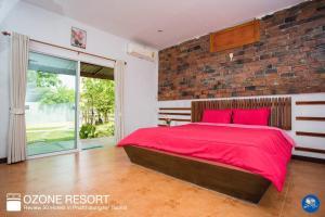 Ozone Resort & Pool Villa - Ban Na Ya
