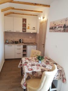 Apartment Peranovic 2, Apartmány  Kotor - big - 52