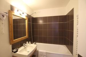 hotel-spa-le-petit-castel-beuzeville-honfleur