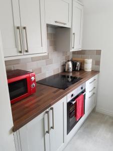 obrázek - Comfortable 3 Bedroom Apartment Near King's Park