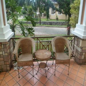 Best Price on Villa Wini Santo Bukit Cipendawa Puncak utk