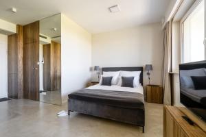 LuxLux Apartments Afara
