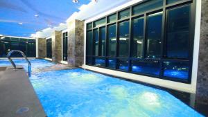 The Vertical Suite - Ban Khlong Palat Priang