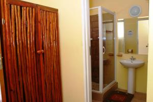 Flintstones Guesthouse Fourways, Penzióny  Johannesburg - big - 49