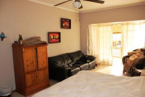 Flintstones Guesthouse Fourways, Penzióny  Johannesburg - big - 35