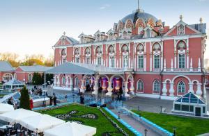 Petroff Palace (20 of 58)