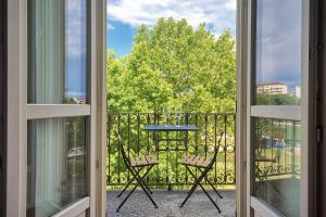 Cenisia & Porta Susa Roomy Flat - AbcAlberghi.com
