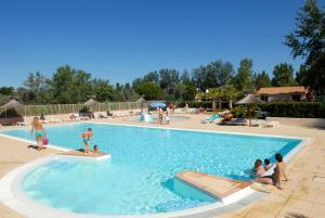 Location gîte, chambres d'hotes Azureva Le Grau du Roi dans le département Gard 30