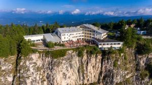 Panorama Hotel Penegal - Mendola