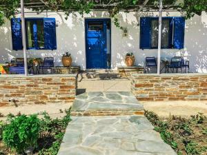 Katerina beach rooms Andros Greece