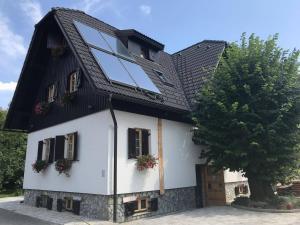 Pansion House Prijeboj, Vendégházak  Jezerce - big - 33