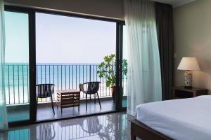 Dan Oasis Beach Hotel and Apartment
