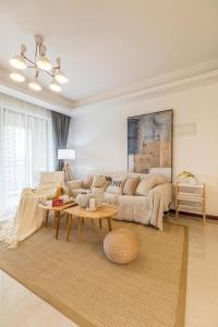 Zhuhai Xiangzhou District ·Locals Apartment· Changlong Ocean Kingdom· 00161820 Locals Apartment 0016