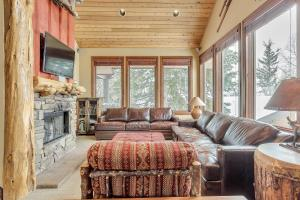High-end summer/winter lodge on slopes of Alta - Apartment