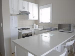Kenjockity Self Catering Apartments, Apartmány  Hermanus - big - 72