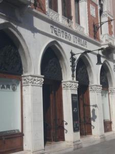 Art Dreams Apartment Teatro Italia - AbcAlberghi.com